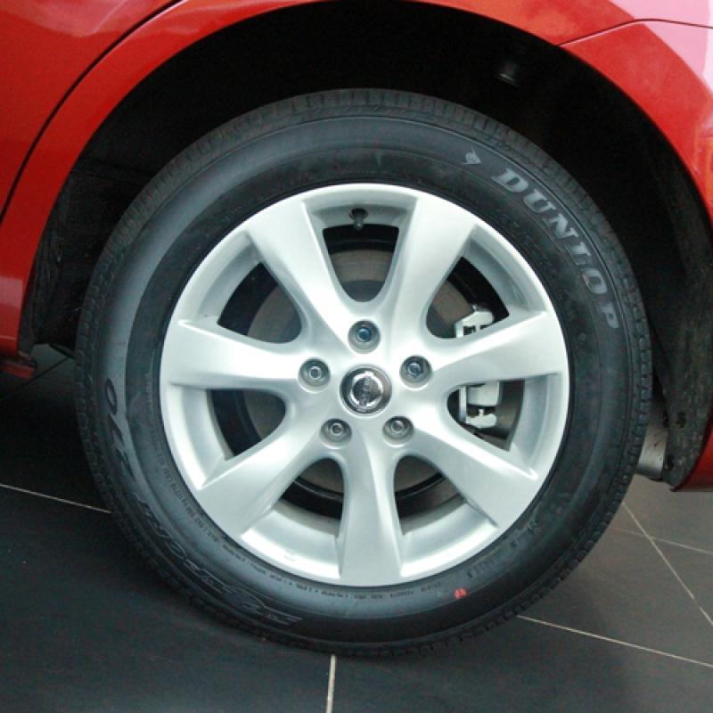 东风日产汽车尼桑骐达 1.6L舒适型高清图片