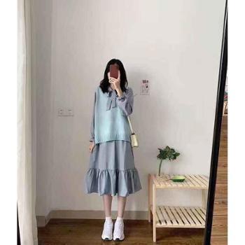 V领马甲+连衣裙两件套装荷叶边小清新秋款
