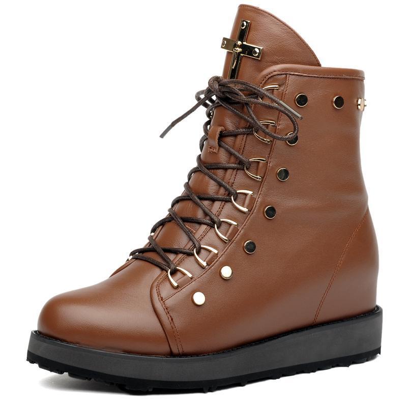 2013红蜻蜓秋冬新款中筒女靴平跟真皮平底马丁靴雪地靴长高清图片