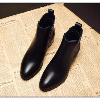 欧美秋冬新款短靴女中跟马丁靴粗跟单靴真皮尖头短筒加绒潮女靴子