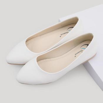 工作鞋女黑色平底防滑百搭职业浅口尖头低跟黑皮鞋小码单鞋A