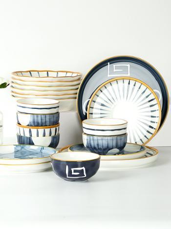 日式釉下彩碗碟套装家用景德镇陶瓷餐具套装创意手绘饭碗盘子碗筷