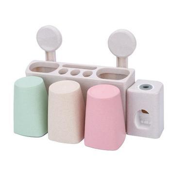 小麦色系三口之家带挤牙膏器牙刷收纳洗漱装置物整理架